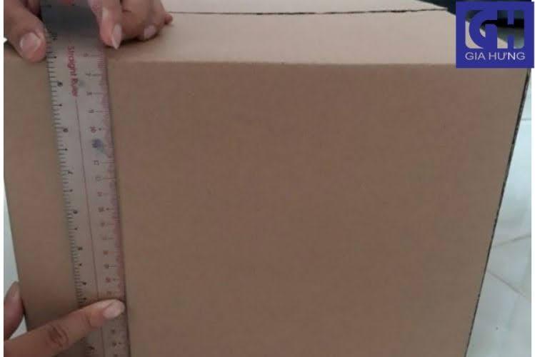 Đo chiều cao thùng carton