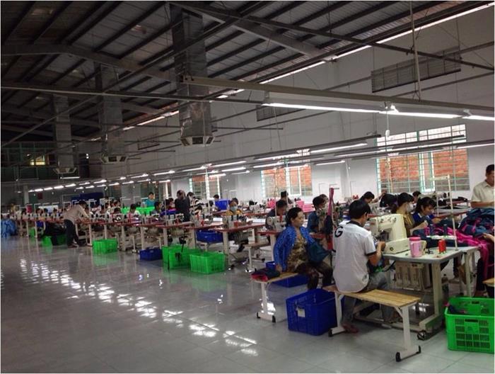 Nhà máy sản xuất sợi và may túi vải