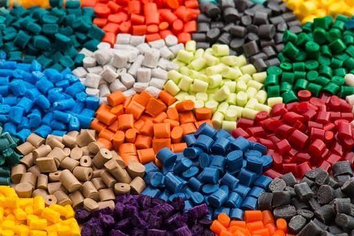 Mỗi nhóm chất dẻo có nhiều cách phân loại khác nhau